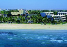 dubaj-hotel-ja-palm-tree-court-045.jpg