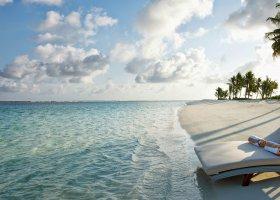 maledivy-hotel-hideaway-beach-resort-spa-132.jpg