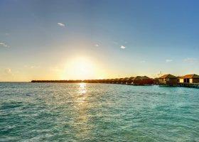 maledivy-hotel-hideaway-beach-resort-spa-135.jpg