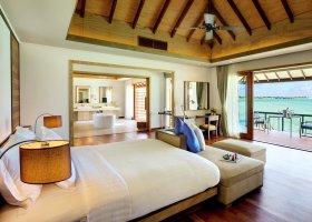 maledivy-hotel-hideaway-beach-resort-spa-138.jpg