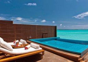 maledivy-hotel-hideaway-beach-resort-spa-141.jpg
