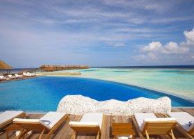maledivy-hotel-lily-beach-resort-048.jpg