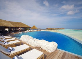 maledivy-hotel-lily-beach-resort-134.jpg