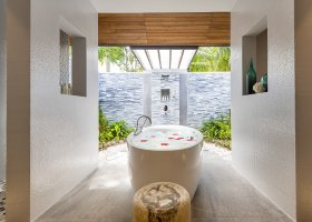 maledivy-hotel-lily-beach-resort-238.jpg