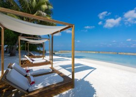 maledivy-hotel-lily-beach-resort-251.jpg
