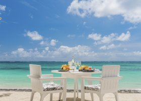 mauricius-hotel-constance-belle-mare-plage-resort-250.jpg