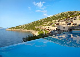 recko-hotel-daios-cove-luxury-resort-villas-008.jpg