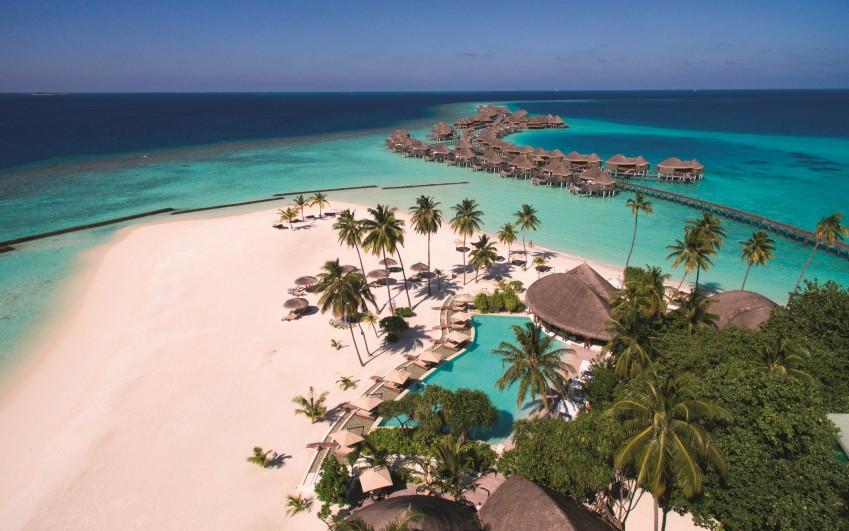 Constance Halaveli Resort and Spa Maldives *****
