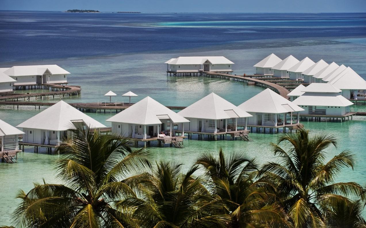 Diamonds Athuruga Beach & Water Villas *****