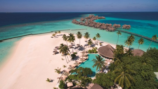Constance Halaveli Resort and Spa Maldives *****