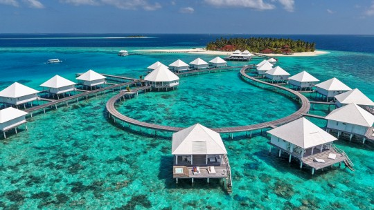 Diamonds Thudufushi Beach & Water Villas *****