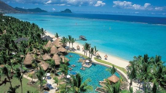 La Pirogue Mauritius ****
