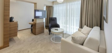Junior Suite (46 m2 + terasa 23 až 35 m2, max. 3 osoby)