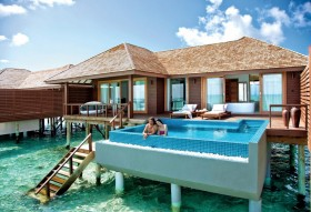 Deluxe Water Villa with Pool (196 m2, 50 vil)